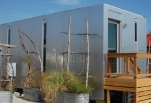 Kapista Independent - Exterior Small Prefab Home